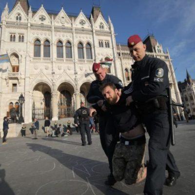 A rend éber őrei kitettek magukért a Kossuth téren