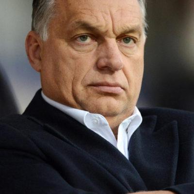 Orbán megoldotta erőből az emlékmű leleplezését, úgy, mint a disznóvágást
