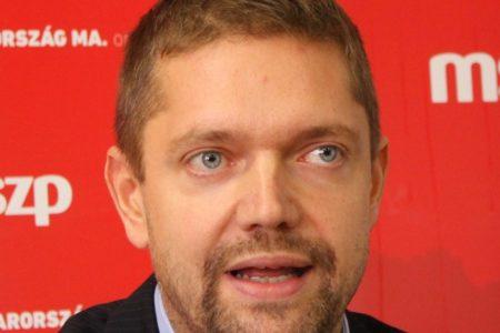Az MSZP Tusnádfürdőn – nem is titkolják, hogy a Fidesz pártja