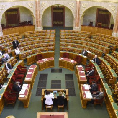 Az ellenzék szégyene, hogy a Fidesz bojkottálja a parlamentet