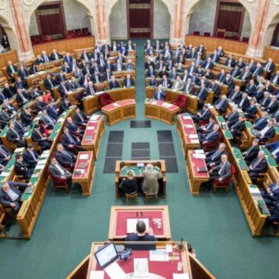 A Sargentini-jelentés után ki kellett volna jönni a parlamentből