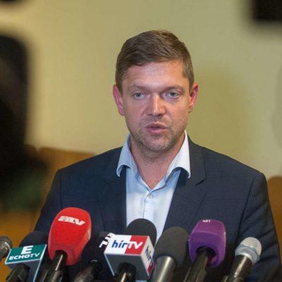 Bartus László: Mi ellen tüntetnek a rendszer kollaboránsai?