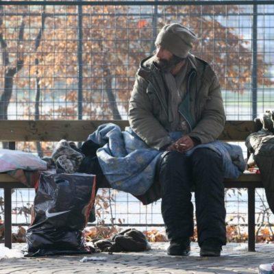 Elégetik a hajléktalanok tulajdonát, miért nem égetik el a hajléktalanokat is?