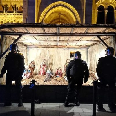 Orbán és bűnszervezete nem tiszteli a kereszténységet