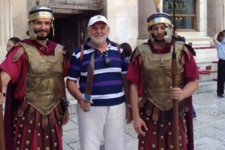 Bartus László: Jézus illiberális imalistája