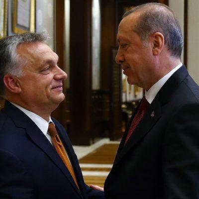 A világ diktátorai szerelmesek egymásba