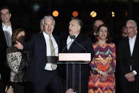 Orbán hatalma törvénytelen, becsapta a magyar népet
