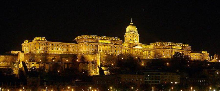 Markó Beáta: Nemzeti díszkivilágítás