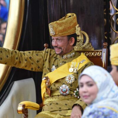 """Bruneiben megvalósítják a muszlimok a """"keresztény országok"""" álmát"""