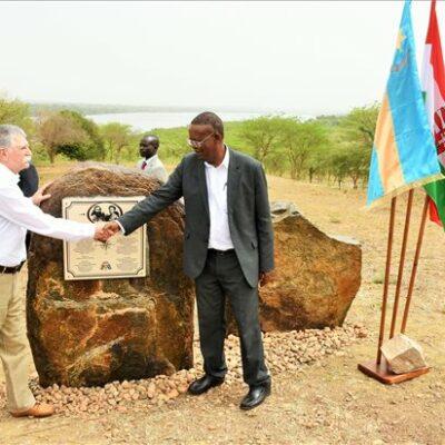 """Itt van, mire """"kúrnak el"""" papíron 5 milliárd forintot Ugandában"""