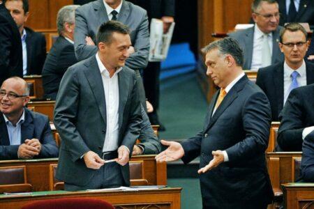 Orbán újra belerúgott a Néppártba, és bejelentette igényét a Néppártra