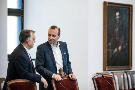 Manfred Weber megint alakoskodik, mert az EU-ellenes Orbánt pénzelik