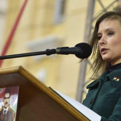Mennyivel tájékozottabb egy Orbán-médián élő magyar, mint egy analfabéta?
