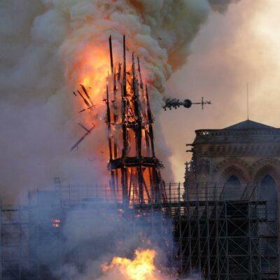 Notre Dame: Úgy látszik, Isten rövidzárlattal üzente meg a kereszténység alkonyát