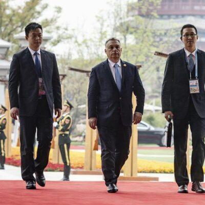 A kínaiak megvették Orbánt, az évszázad korrupciója a belgrádi vasút