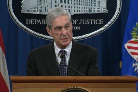 Trump bűncselekményt követett el, csak Mueller nem emelhetett vádat ellene