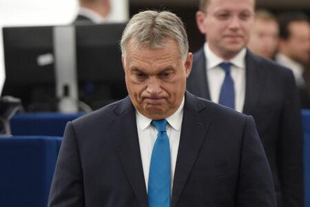 """Orbán próbálja """"visszanyalni"""" magát a Néppártba"""