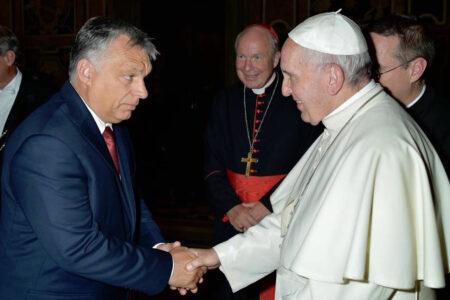 """A """"keresztény"""" Orbán bojkottálja a krisztusi elveket hirdető pápát"""