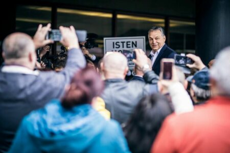 Orbán Viktor az Isten Igéjének nevezte magát