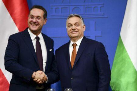 Orbán hazaáruló, oroszokkal szövetkezett Magyarország ellen