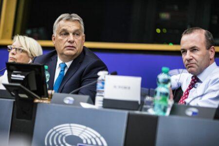 Manfred Webert Orbán miatt nem szavazzák meg
