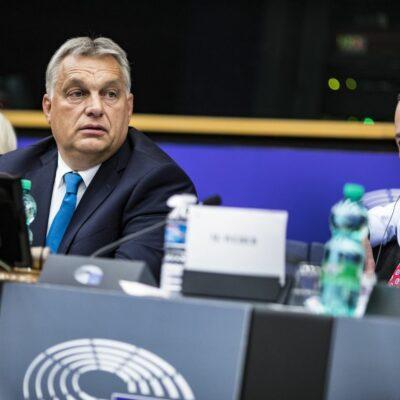 Orbán totálisan meghunyászkodik, megszavazza Webert is