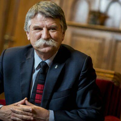 Bartus László: Lehet-e valaki jobb magyar?