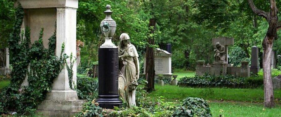 Markó Beáta: Futás a halottak között