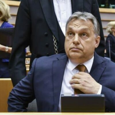 Csak konkrét ügyekben fogható meg Orbán diktatúrája