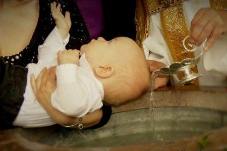 Vigyázat, gyerekvédelmet indít a katolikus egyház!