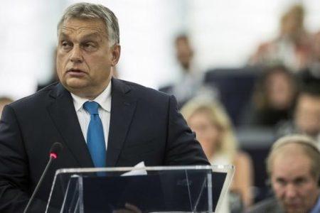 A Néppárt löködi végre kifelé Orbánt, nem ő dönt