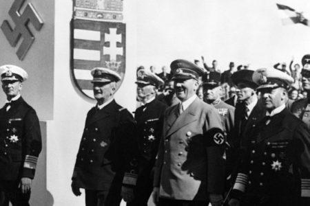 Nem öntudatos polgárokat, hanem honvédő nacionalistákat nevel az új NAT