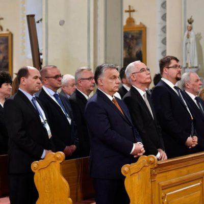 Az Orbán-rendszerben mindent hamisítványra cserélnek, miért az Index lenne más?