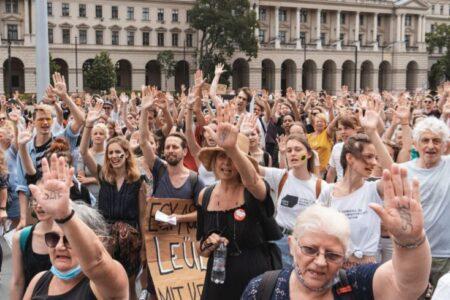 Országos sztrájkot kellene hirdetni az SZFE mellett