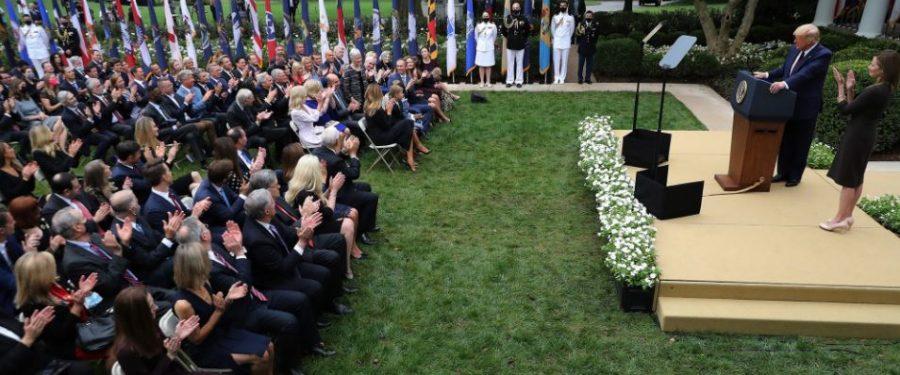 Trump a Fehér Ház kertjében megfertőzte a fél washingtoni elitet