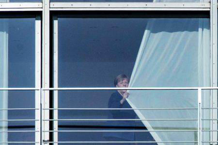 Az EU többi 25 országának kellett volna nemet mondani Merkelnek