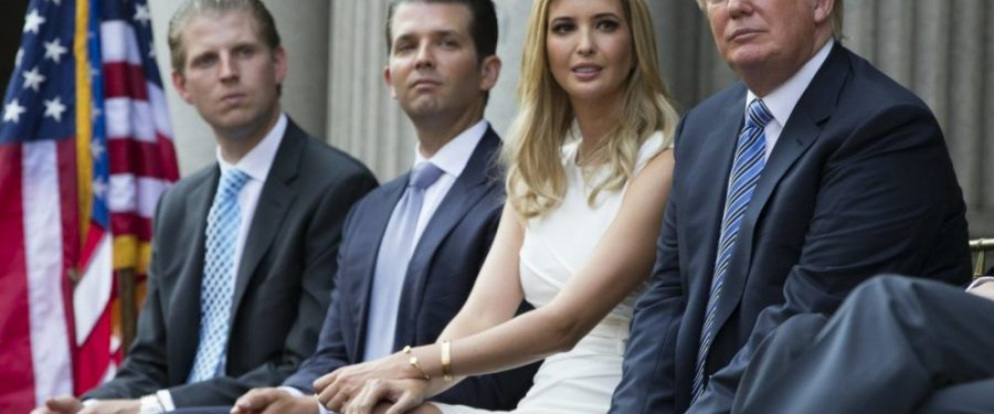 Trump előre kegyelmet adna a gyerekeinek, Giulianinak és magának