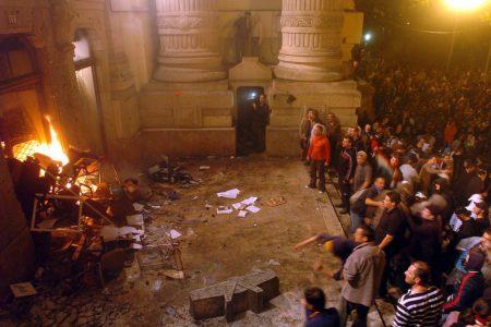 Orbán hazudik, a baloldal nem támadt a parlamentre, 2006-ban viszont puccskísérlet volt, mint most Amerikában