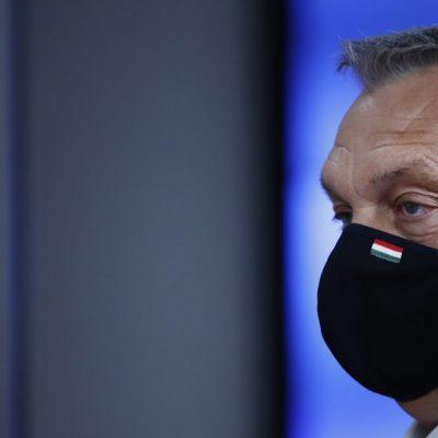Világbotrány: Orbán hatósági engedély nélküli vakcinával oltatja be a magyarokat
