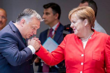 Merkel vereségre ítélte Európát Orbánnal, mintha Trump nyert volna Amerikában