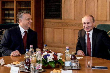 Ahogy nem Orbáné a strómanok vagyona, úgy nem Putyiné a Fekete-tengeri kastély