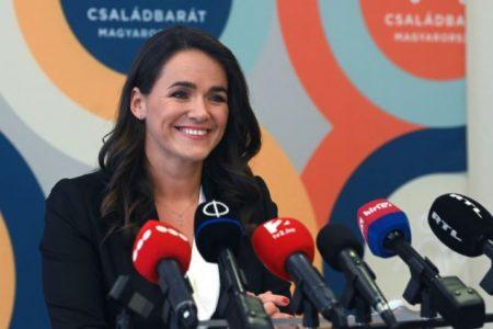 Novák Katalin hazugsága nem szerepel a magyar emberek első száz problémája között, mégis meg kellene oldani