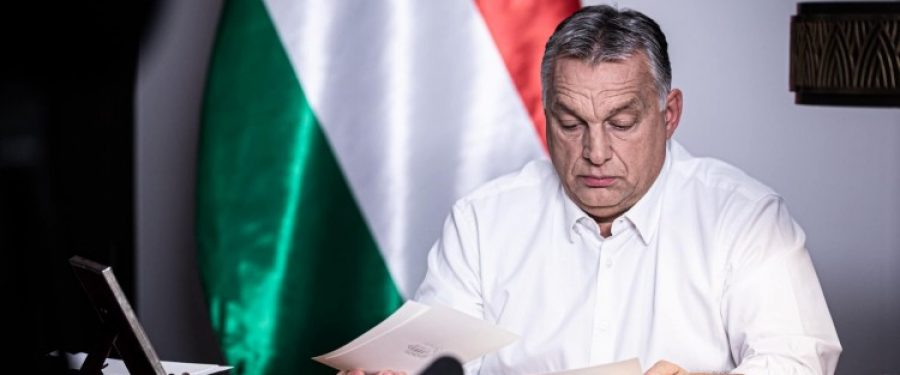 Álkonzultációval hárítja Orbán a felelősséget a lakosságra szakmai kérdésekben