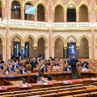 Az ellenzéknek nincs köze az országhoz, ezt jelenti Orbánék parlamenti távolmaradása