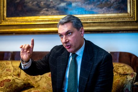 Lázár János hazudik, még egyetlen vakcina sem mentett meg senkit, de húszezren meghaltak Orbán miatt
