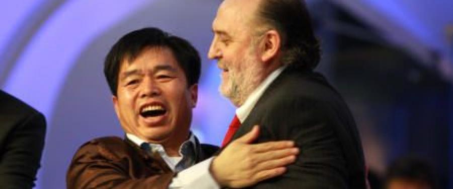A bebörtönzött Jün testvér kérdezi, mennyi pénzt kapott a Hit Gyülekezete a kínai diktatúrától?