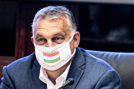 Ahol ennyi pénz van Mészárosnak, határon túlra és futballra, miért nincs az egészségügyi dolgozóknak?