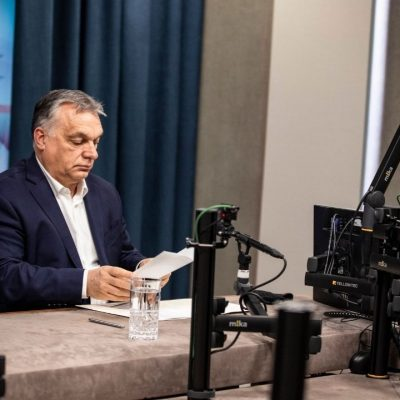 Orbán bevallotta, hogy ideológiai átnevelő táborok lesznek az egyetemek